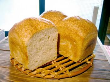 山型食パン<span>(菜種油・麦芽シロップ使用)</span>